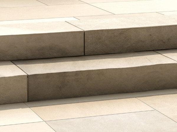 natural-stone-steps-indiana-limestone-outside-stone-ontario